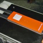 Konsis konveyör Nike otomatik beslemeli seri kart etiketleme konveyör sistemi..