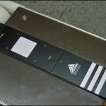 Konsis konveyör Adidas otomatik beslemeli seri kart etiketleme konveyör sistemi..